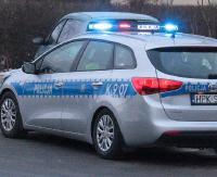 UWAGA: Samochód wjechał do rowu. Kolejne niebezpieczne zdarzenie drogowe na granicy Niebieszczan i Prusieka