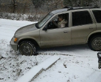 """UWAGA KIEROWCY! Fatalne warunki na Gruszce. """"Auto zjeżdżało w poprzek jezdni, z trzymiesięcznym dzieckiem w środku"""" (ZDJĘCIA)"""