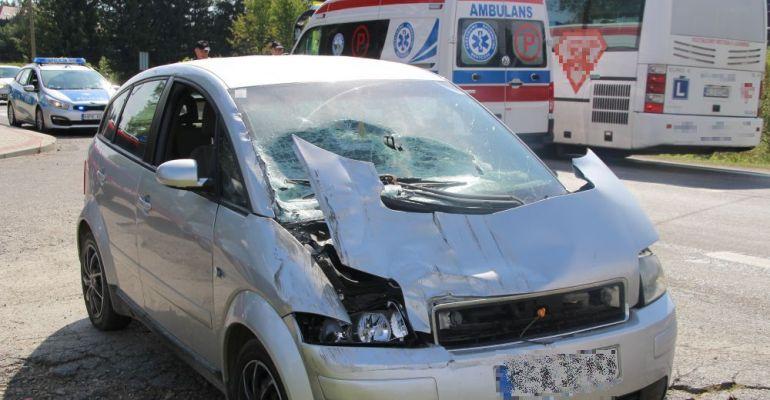 Wypadek w Czerteżu. Kobieta w ciąży przetransportowana do szpitala (ZDJĘCIA)