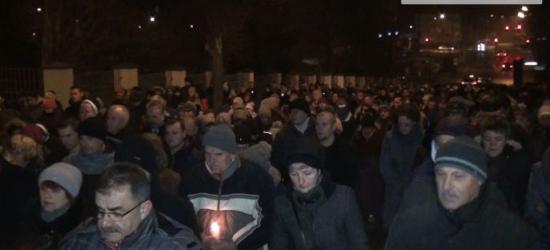 WIELKI PIĄTEK: Tłumy sanoczan przeszły ulicami miasta (FILM)