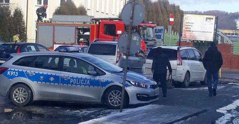 SANOK: Stracił kontrolę nad samochodem. Zderzenie osobówek (ZDJĘCIA INTERNAUTY)