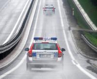 Deszcz, ogranicza widoczność, dłuższa droga hamowania. Uważajmy na drogach!