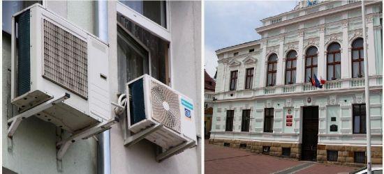 SANOK: Miasto chce kupić 38 klimatyzatorów do budynku urzędu (ZDJĘCIA)