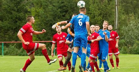 Piłkarski weekend w regionie. Niespodzianka w Zarszynie, grad bramek w Nowotańcu (MATERIAŁY FILMOWE)
