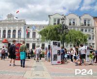 """SANOK: Wystawa plenerowa """"Ojcowie Niepodległości"""" na sanockim Rynku (FILM, ZDJĘCIA)"""