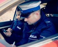 KRONIKA POLICYJNA: Potrącenie pieszej, nieudane zakupy przez internet, kierowcy na procentach