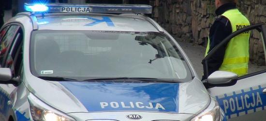 SANOK: Włamali się do radiowozu. 27-latek szarpał i wyzywał policjanta