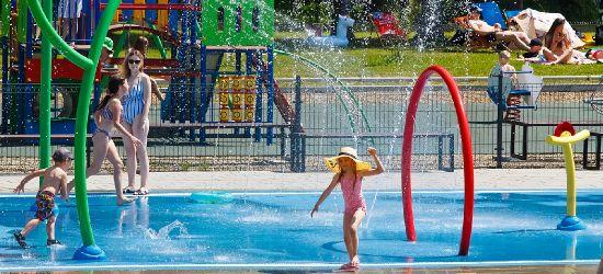 Pierwszy dzień na basenach otwartych w Sanoku (ZDJĘCIA)