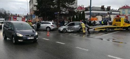 SANOK: Zderzenie samochodów na ulicy Lipińskiego. Utrudnienia w ruchu (ZDJĘCIA)