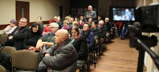 POSADA: Ostra dyskusja o Łanach, koncepcja punktu selektywnej zbiórki odpadów? Spotkanie burmistrza z mieszkańcami (VIDEO)