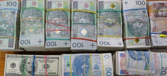 Przewoził prawie pół miliona złotych, bez zgłoszenia