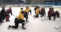 Sanoccy hokeiści rozpoczęli zajęcia na lodzie. Pierwszy trening z nowym szkoleniowcem (FILM, WYWIAD)