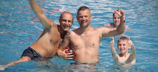 SANOK: Tak jest dziś na basenie! Słońce, woda i plażówka (ZDJĘCIA)