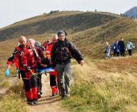 GOPR: Urazy, zaburzenia kardiologiczne, wycieńczenie. Goprowcy pomogli 9 turystom (ZDJĘCIA)