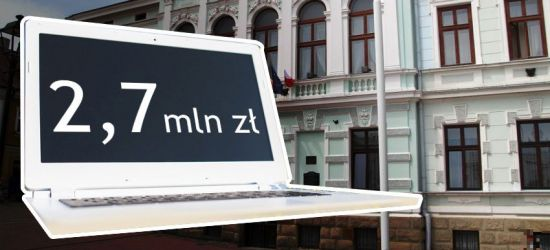 """Sanok straci kolejne pieniądze. """"Afera laptopowa"""" pochłonie blisko 3 mln zł (ZDJĘCIA)"""