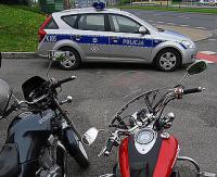 POLICJA APELUJE: Kierujący samochodami, jak i jednośladami, mają takie same prawa na drodze