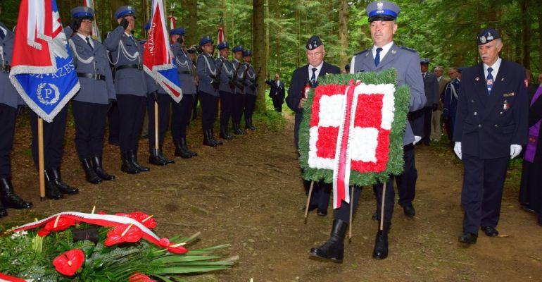 Apel poległych z okazji 30. rocznicy katastrofy śmigłowca w Cisnej