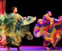 Międzynarodowy dzień tańca w Sanockim Domu Kultury. Na deskach królowała m.in. formacja Flamenco (ZDJĘCIA)