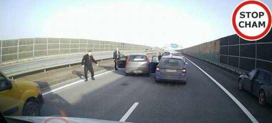 Obywatelskie ujęcie pijanego kierowcy na A4! (VIDEO)