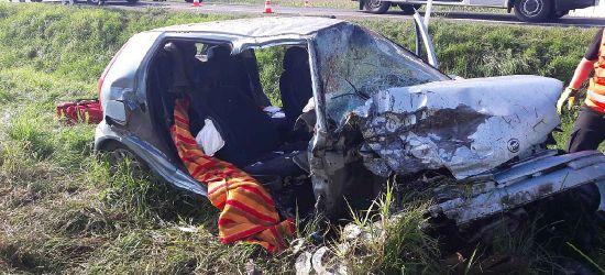 Groźny wypadek! Trzy pojazdy rozbite, cztery osoby w szpitalu (FOTO)
