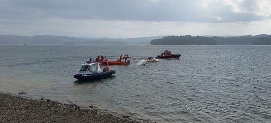 SOLINA: Wywrócone dwie łodzie. Sześć osób w wodzie