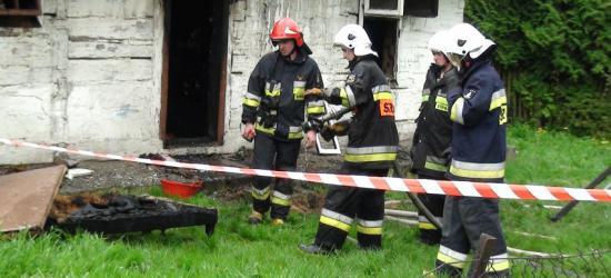 Dom spłonął po zwarciu instalacji elektrycznej (ZDJĘCIA)