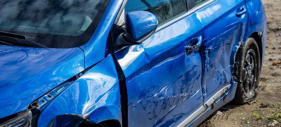 Uszkodził przypadkowy samochód. Myślał, że wewnątrz jest jego dziewczyna