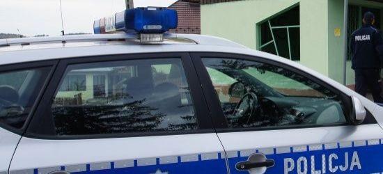 Policjanci i żołnierze WOT sprawdzają osoby na kwarantannie