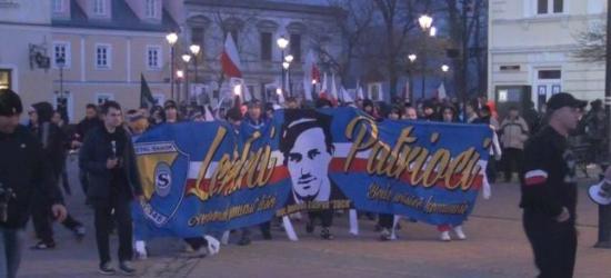 Cześć i chwała bohaterom! Ruch Narodowy uczcił Żołnierzy Wyklętych (FILM, ZDJĘCIA)