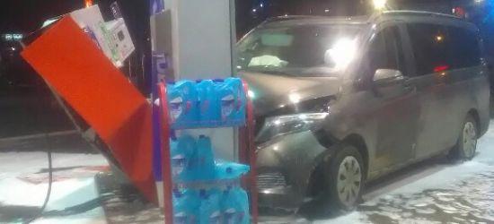 Kierowca, który groził wysadzeniem stacji, nie przyznaje się do winy (FOTO)