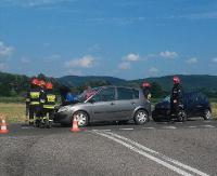 Toyota najechała na renault. Jedna osoba trafiła do sanockiego szpitala (ZDJĘCIA)
