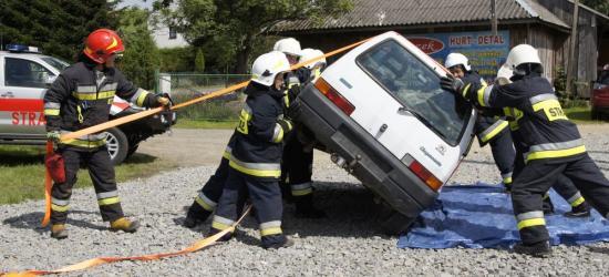 Przypadkowy postrzał, próba samobójcza, wypadek samochodowy. Ratownicy w akcji (FOTO)
