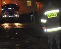 KRONIKA STRAŻACKA: Osiem pożarów sadzy, płonący samochód i potrącenie