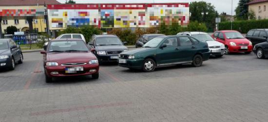"""PARKOWANIE PO SANOCKU: ,,Smaczki"""" z dużych parkingów (ZDJĘCIA)"""