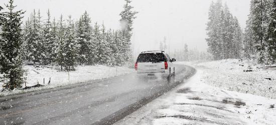 SANOK: Intensywne opady śniegu, zawieje i zamiecie
