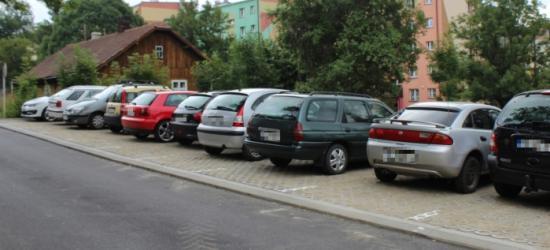 Centrum doczekało się nowego parkingu (ZDJĘCIA)