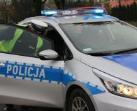 KRONIKA POLICYJNA: Pijany staranował samochody i uciekł. Do tego złodzieje telefonów, konfitur i pisanek
