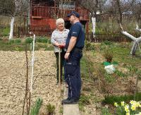 Policjanci kontrolują ogródki działkowe (ZDJĘCIA)