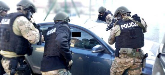 """PODKARPACIE: CBŚP w akcji! Zlikwidowano seksbiznes tzw. """"mieszkaniówek"""" (VIDEO)"""