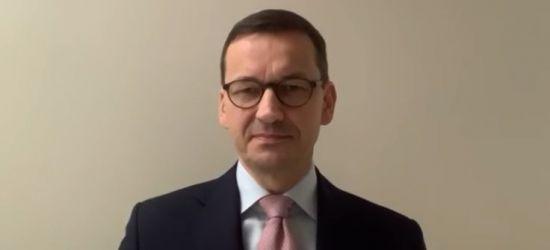 """Premier Morawiecki: """"Udaję się na kwarantannę"""" (VIDEO)"""