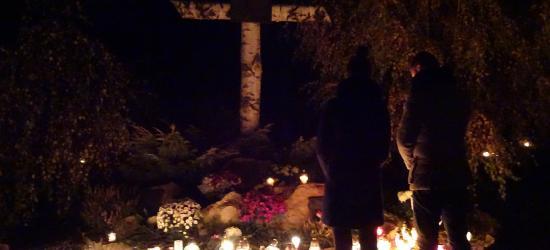 2 listopada – pamiętać o bliskich… (ZDJĘCIA)