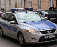 KRONIKA POLICYJNA: Kolizja po alkoholu, wybita szyba w nissanie i skradzione portfele z dużymi pieniędzmi