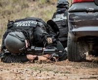 Bieszczadzcy pogranicznicy ramię w ramię z BOR, antyterrorystami i żołnierzami. Strzały z jadącego samochodu i szturm na obiekty (ZDJĘCIA)