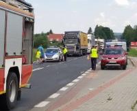 AKTUALIZACJA: Wypadek w Zabłotcach z udziałem ciężarówki, osobówki i dwóch motocykli. Ruch odbywa się już płynnie (ZDJĘCIA)
