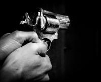 Napad z bronią na sklep w Sanoku? Sprawcy na wolności. Prokuratura wszczęła śledztwo