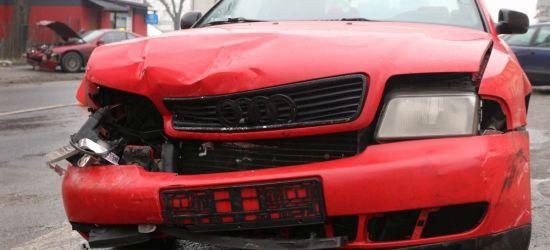 SANOK: Zderzenie czterech osobówek na ul. Dworcowej. Jedna osoba w szpitalu (ZDJĘCIA)