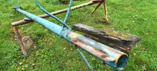 INTERWENCJA: Zdezelowany plac zabaw zostanie zdemontowany! (ZDJĘCIA)