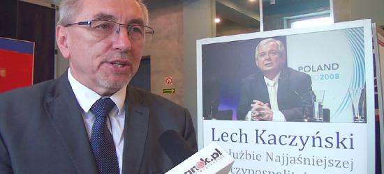 Wystawa o Lechu Kaczyńskim w SDK. Wyjątkowe zdjęcia i wypowiedzi Prezydenta RP (FILM)