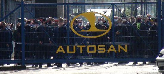 """Pikieta pracowników Autosanu! """"Gdzie jest prezes""""? (VIDEO)"""