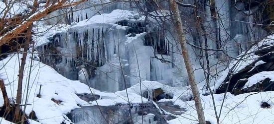 BIESZCZADY: Lodowe cudeńka przez zimę uczynione. Imponujące prawda? (VIDEO)